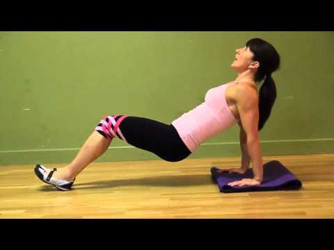 Courtney Rowsell - Bodyweight Tricep Dips