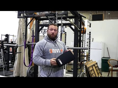 SIDE BY SIDE REVIEW - Sling Shot Strong Knee Sleeves VS SBD for Powerlifting Squat